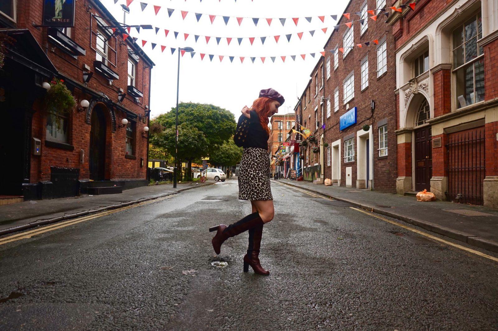 Blogger Twenty-Something City in Bloom Street, Manchester