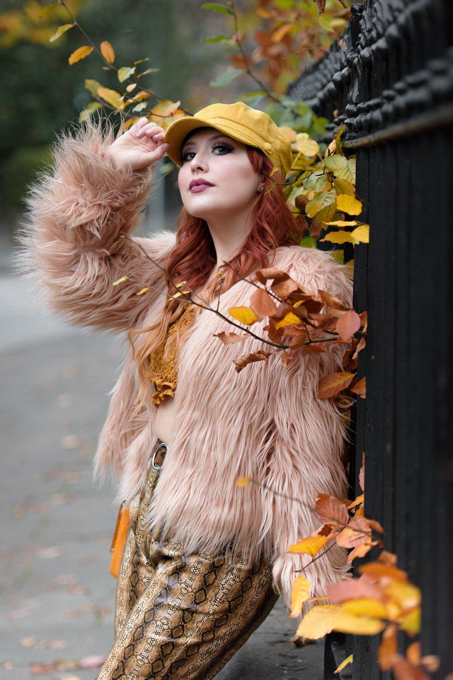 Blogger Twenty-Something City autumn 70s boho fashion
