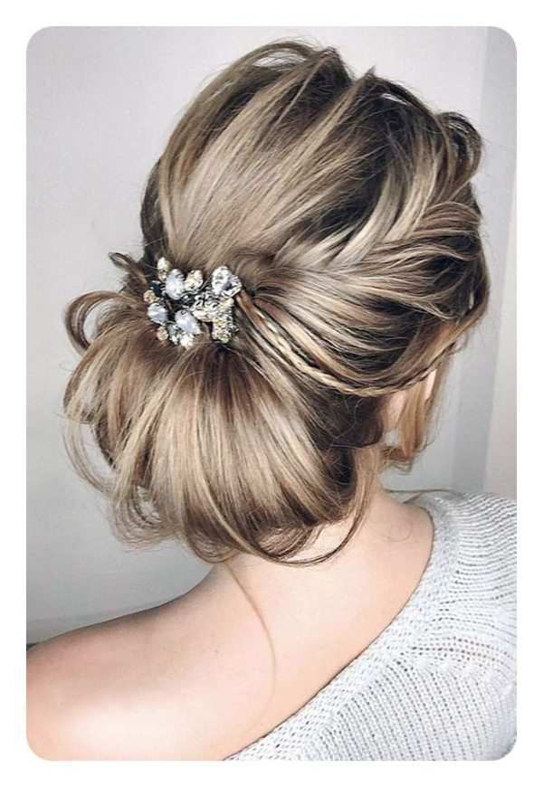 30 Low Buns Hairstyles With Step By Step Hairstyles Ideas Walk