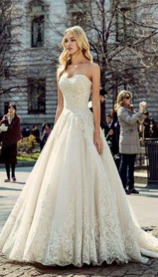 20+Collection of The Most Popular Wedding Dresses at The Moment Ideas 10