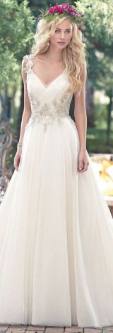 20+Collection of The Most Popular Wedding Dresses at The Moment Ideas 3