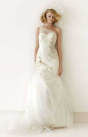 20+Collection of The Most Popular Wedding Dresses at The Moment Ideas 4