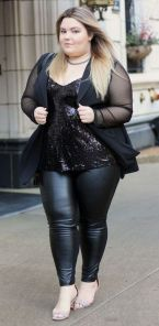 30 Fashion plus size outfit with black pants 13
