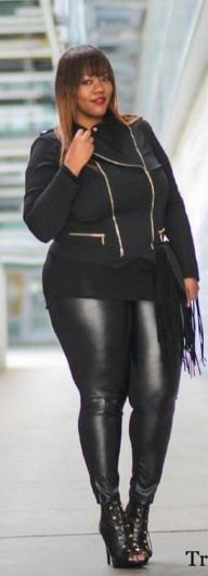 30 Fashion plus size outfit with black pants 7