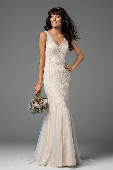 40 Beautiful wedding dresses for 40 year old brides ideas 14