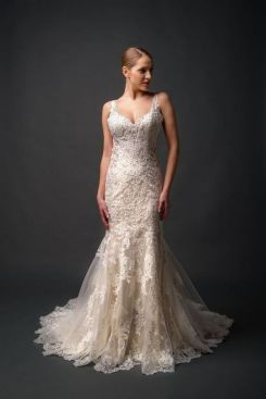 40 Beautiful wedding dresses for 40 year old brides ideas 25