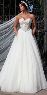 40 Beautiful wedding dresses for 40 year old brides ideas 43