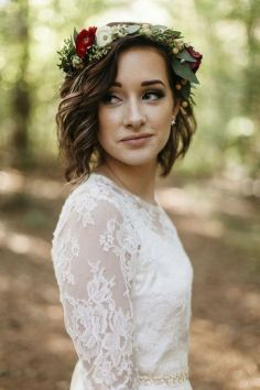 60+Bridal Flower Crowns Perfect for Your Wedding Ideas 14