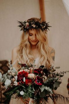 60+Bridal Flower Crowns Perfect for Your Wedding Ideas 15