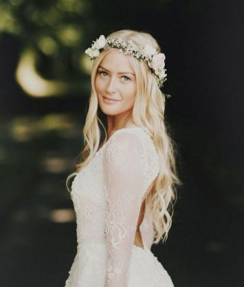 60+Bridal Flower Crowns Perfect for Your Wedding Ideas 19
