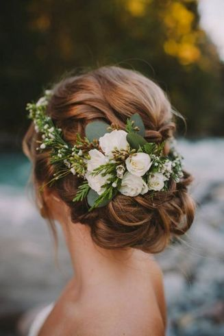 60+Bridal Flower Crowns Perfect for Your Wedding Ideas 5