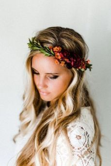 60+Bridal Flower Crowns Perfect for Your Wedding Ideas 54