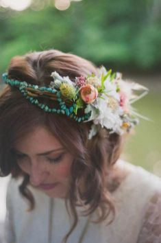 60+Bridal Flower Crowns Perfect for Your Wedding Ideas 61