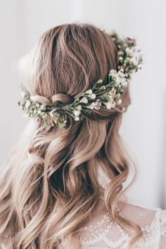 60+Bridal Flower Crowns Perfect for Your Wedding Ideas 63