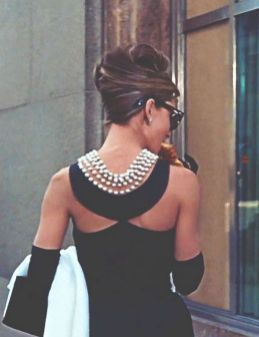 Great Pearl Necklace Outfit Ideas 70+ 11