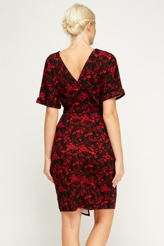 30 Women Print Dresses with sleeves Ideas 16