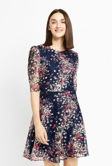 30 Women Print Dresses with sleeves Ideas 19