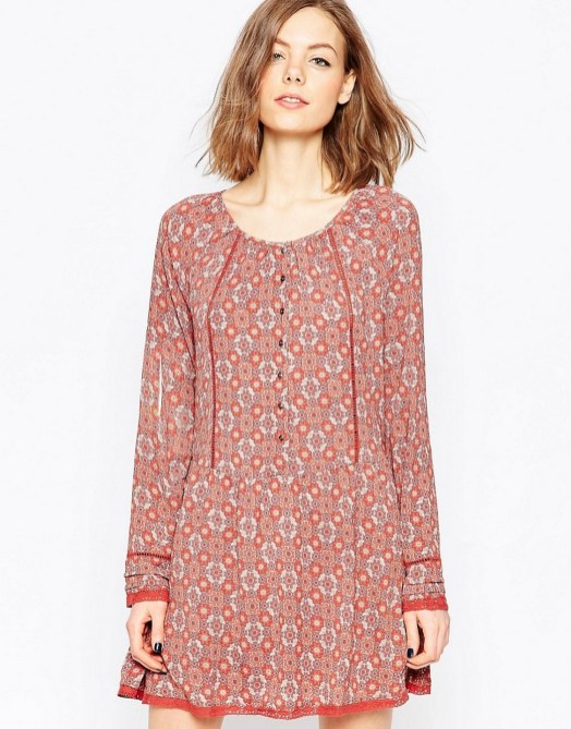 30 Women Print Dresses with sleeves Ideas 22