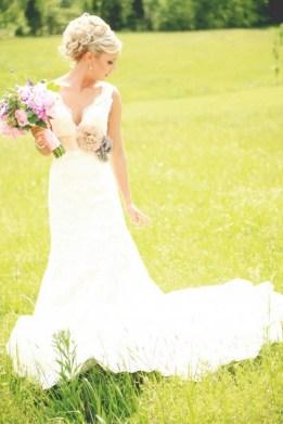 40 wedding dresses country theme ideas 27