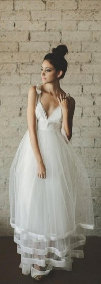 50 simple and sexy wedding dresses for the beach 32