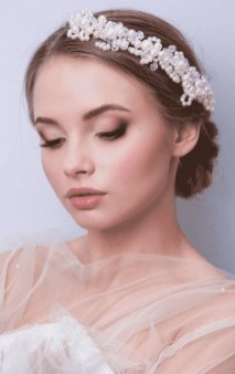 Bridal Makeup When Wedding in the Daytime 17