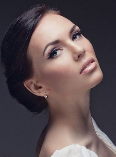 Bridal Makeup When Wedding in the Daytime 5