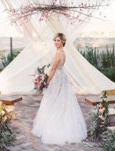Creative And Fun Wedding day Reception Backdrops You Like Ideas 27