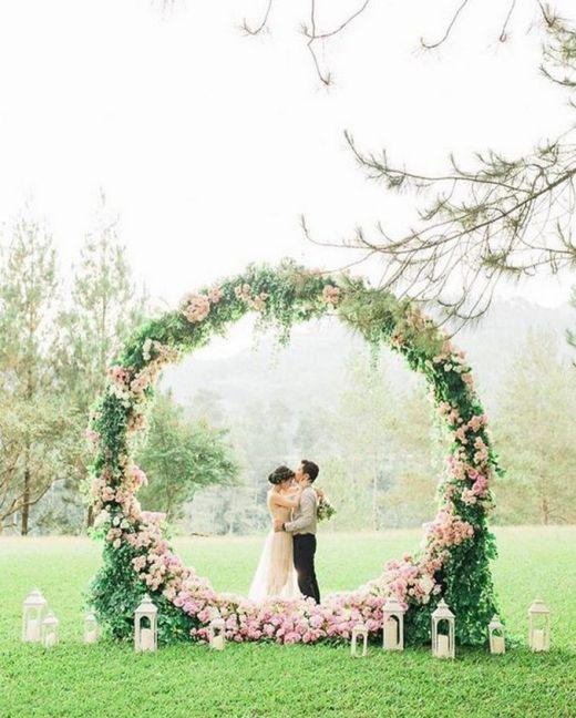Creative And Fun Wedding day Reception Backdrops You Like Ideas 47