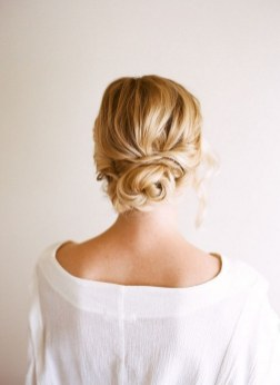 Easy DIY Wedding Day Hair Ideas 37