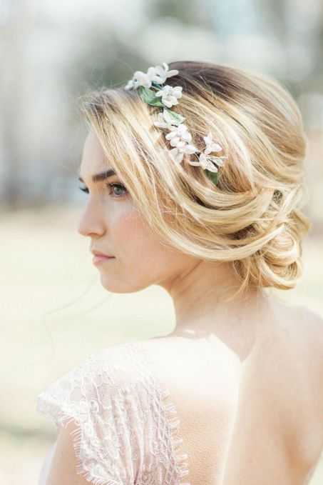 Easy DIY Wedding Day Hair Ideas 38