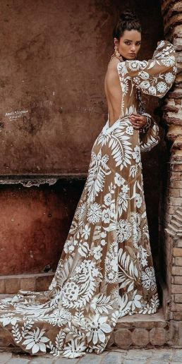 Embellished Wedding Gowns Ideas 4