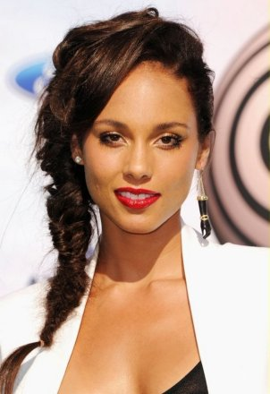 Fishtail Hairstyles for all situations 35