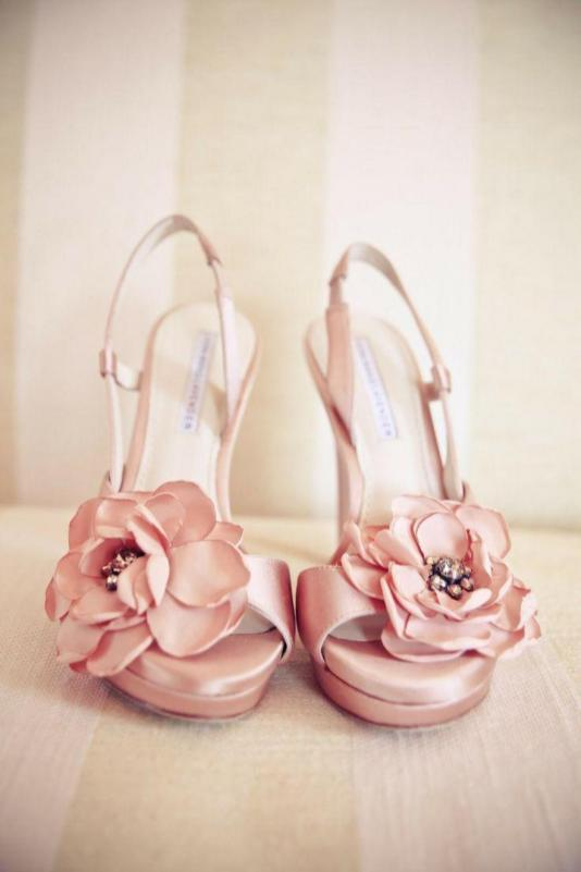 Floral Wedding Shoes Ideas You Never Seen Before 35