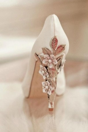 Floral Wedding Shoes Ideas You Never Seen Before 46