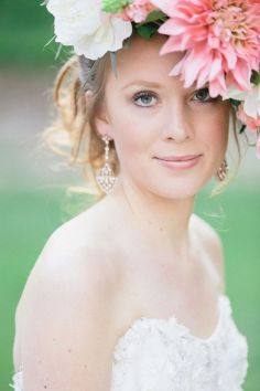 Soft and Romantic wedding makeup looks for fair skin 27