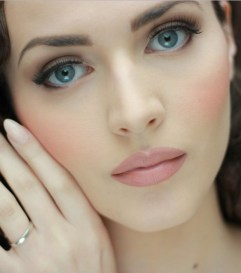 Soft and Romantic wedding makeup looks for fair skin 8