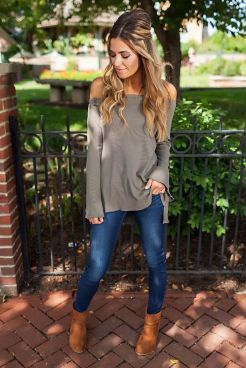 World of jeans cute winter outfits ideas 17