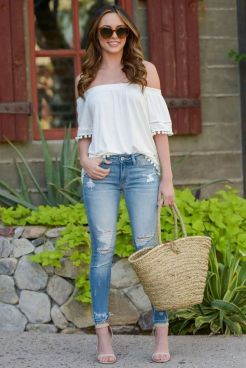 World of jeans cute winter outfits ideas 35