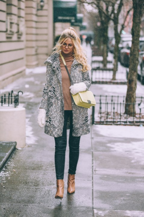 World of jeans cute winter outfits ideas 8