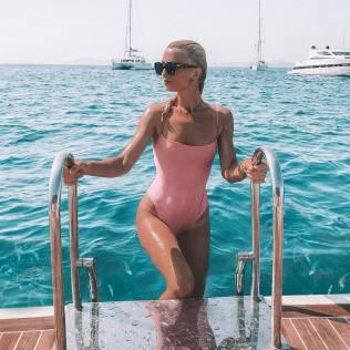 100 Ideas Outfit the Bikinis Beach 97