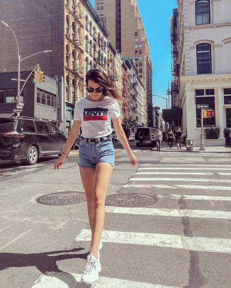 30 Comfortable and Charming Clothing ideas for sightseeing 12