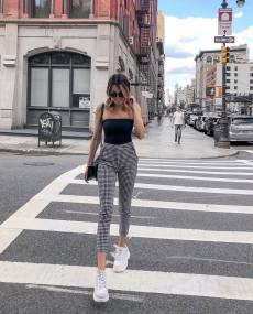 30 Comfortable and Charming Clothing ideas for sightseeing 21