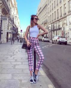 30 Comfortable and Charming Clothing ideas for sightseeing 22