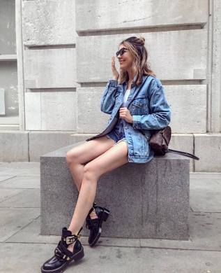 30 Comfortable and Charming Clothing ideas for sightseeing 26