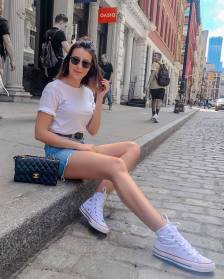 30 Comfortable and Charming Clothing ideas for sightseeing 8