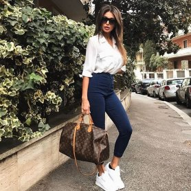 30 Simple Outfit Ideas for women 24