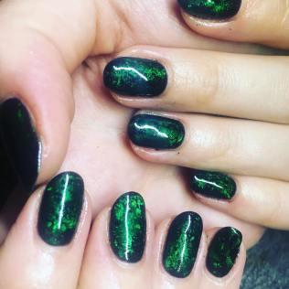 40 Chic Green Nail Art Ideas 12