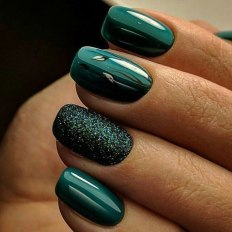 40 Chic Green Nail Art Ideas 15