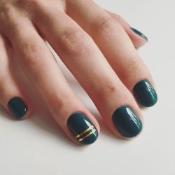 40 Chic Green Nail Art Ideas 20