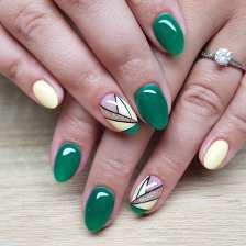 40 Chic Green Nail Art Ideas 21